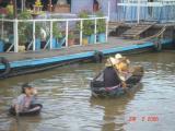 cambodia river people040.JPG