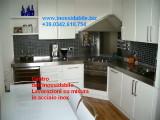 cucina con top inox su misura personalizzato.jpg