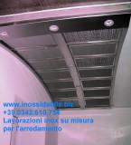 cappa inox satinata su disegno a soffitto