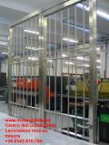protezione inox su misura con porta e serratura