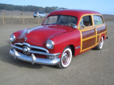 Wayne's '50 Ford Woodie