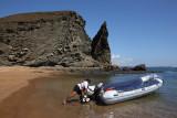 Leaving the Pinnacle Rock beach, Bartolomé Island