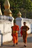 Monks near Wat Saen