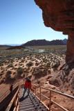 Climbing to Atlatl Rock