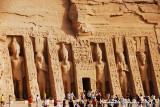 Nefertari's statues are equal in size to Ramesses II's ones
