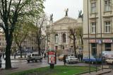 Prospekt Svobody - and view on Lviv Theatre