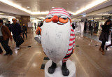 Santa Claus is shopping in HK