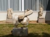 Estatua en jardín