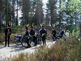 Svenska artilleriet rullar fram