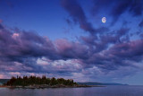 Moon Over The North Shore 20090711