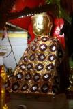 Un bouddha richement paré