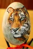 Tigre sur oeuf d'oie