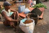 Marchand de poivrons séchés et de thé