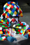 Arlequin, vendeur de confettis