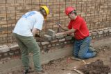 ... which was not easy as the reclaimed bricks were all different sizes ...