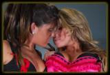 Lori  & Jodie - Bustier