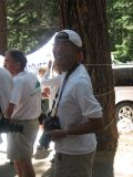 Glenn prepares for a finish line photo of the 2006 Badwater champion