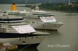 CELEBRITY SUMMIT( Pavillon Malte ) Passagers  2,450 / AURORA- P & O - Aurora ( Pavillon Bermudes ) Passagers 1,975