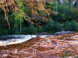la rivière couleur chocolat