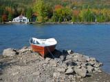 la barque rouge du chalet