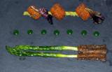 asperges servie sur ardoise