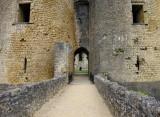 entrée du château de Villandraut