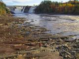 Décor des chutes de la Chaudière en automne