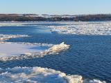les glaces sur le fleuve