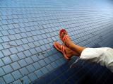 les pieds dans le métro