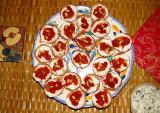 Hors d'oeuvres:  bruschettas au fromage de chèvre
