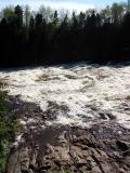 la rivière déborde