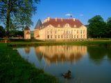Bourgogne, le château de Commarin du coté coucher de soleil