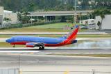 N514SW Southwest Airlines Boeing 737-500 landing in smoke