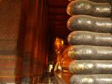 Big buddha of Bangkok with feet.jpg