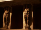 Statues in the bath house of Pompei web.jpg