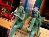 Waiting angels
