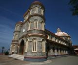 Eglise au mileu des plantations