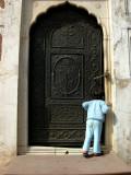 Peering into the Moti Mosque