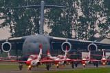 TS-11 Iskra (Biało-Czerwone Iskry) & C-17 Globemaster