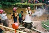 Laos - Cotton dying in Ban Nammat Mai - Akha