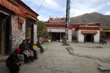 Outer courtyard of Chang Zhu Monastery
