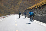 Crazy European cyclists biking from Lhasa to Kathmandu