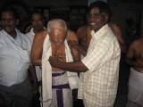 19-Dr vu vE malliyam Rangachari swami honoured.jpg