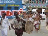 Periya Perumal Alangaram arriving to Thirumaligai.jpg