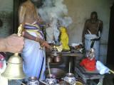 SrI Varadaraja perumal  - dhoopOpacharam.jpg
