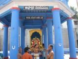 Tirukkachi NambikaL in AsthAkshari Mandapam on the 4th day morning.jpg
