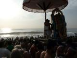 Waves receiving Parthasarathi.jpg