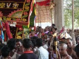 Nammazhvar Coming for Madhyastham between Perumal and Thayar.JPG