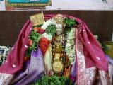Maamunigal with Divyadesa Emperuman Uduthu kalaindha thirumaalai and thirupariyattam.JPG