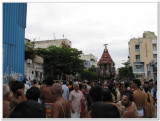 7th day morning thiruthEr in thiruveedhi.jpg